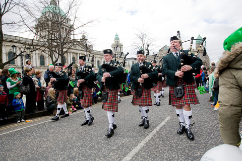 L2F Mar 17 pic Northern Ireland Belfast St Patricks Day bagpipers