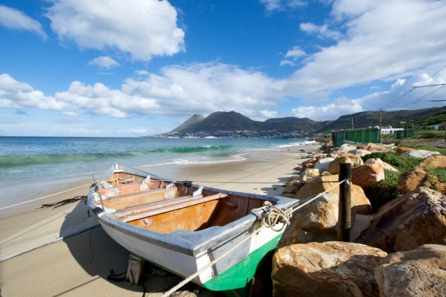 L2F Apr 17 pic South Africa False Bay with fishing boat