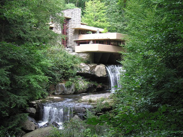 L2F May 17 pic USA Wright Fallingwater flickr Pablo Gonzales