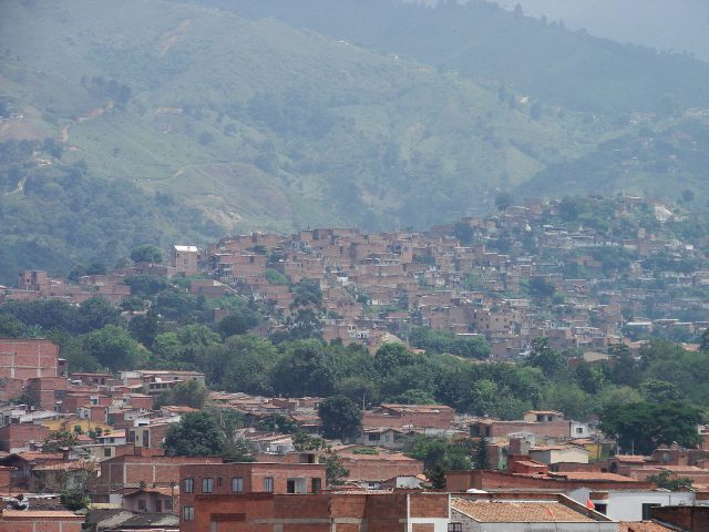 L2F Apr 17 pic Colombia Medellin Comuna 13 laloking97 wikipedia