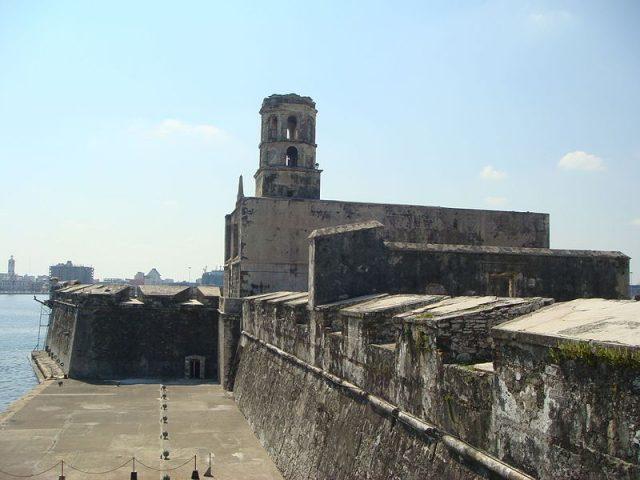 L2F May 17 pic Caribbean pirates Mexico Veracruz San Juan Uloa Dcuadrak Wikipedia