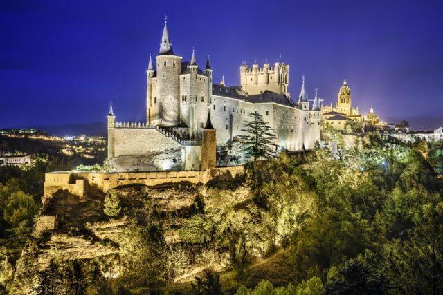 L2f May 17 pic Spain history kingdoms Segovia Alcazar evening