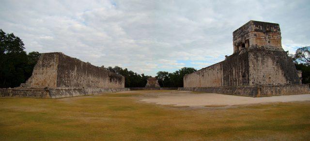 L2F Jun 17 pic Mexico Yucatan Chichen Itza ball court