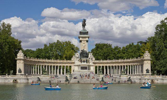 L2F Jun 17 pic Spain history Bourbons Alfonso XII Retiro memorial