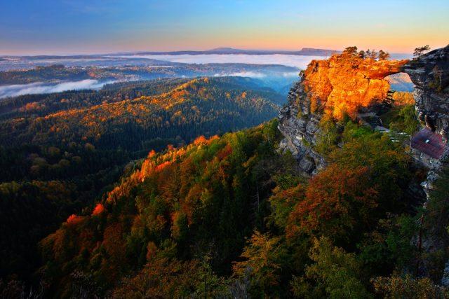 L2F Aug 17 pic Europe fall foliage Czech Bohemian Switzerland shutterstock_423038161