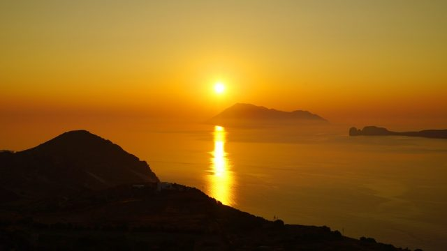L2F Aug 17 pic Greece Cyclades sunset shutterstock_665094334