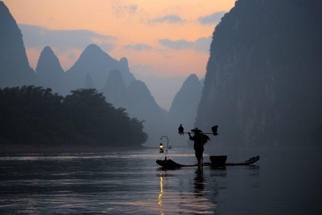 L2F Sep 17 pic China Guilin Li River cruise karst hills shutterstock_491906386