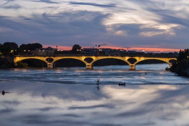 L2F Sep 17 pic Spanish history France Toulouse Pont des Catalans shutterstock_699111967