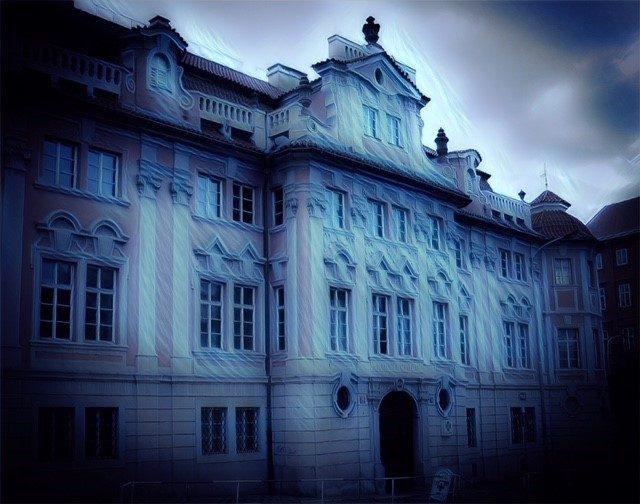 L2F Oct 17 pic Czech Prague haunted Halloween Faust house dark filter