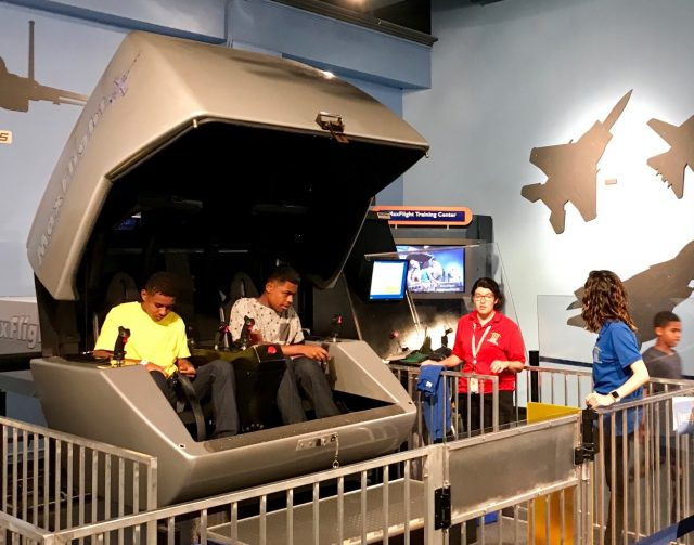 TBP pic USA FL Fort Lauderdale science museum flight simulator