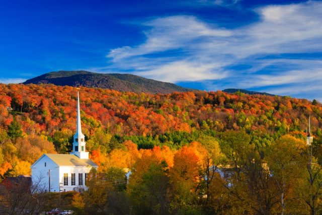 L2F Nov 17 pic USA Thanksgiving New England Stowe Vermont shutterstock_208811707
