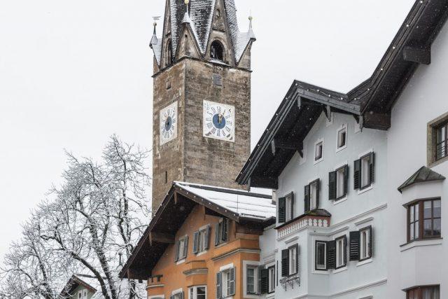 L2F Jan 18 pic Austria skiing Kitzbühel old town shutterstock_379134064