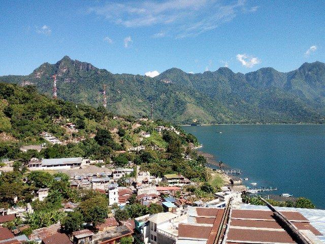 L2F Jan 18 pic Guatemala Atitlán San Pedro town lake view