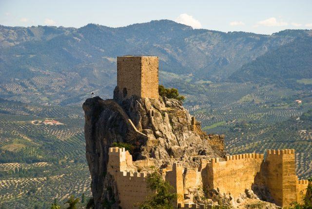 L2F Jan 18 pic Spain Andalusia Jaén Cazorla castle shutterstock_30347263