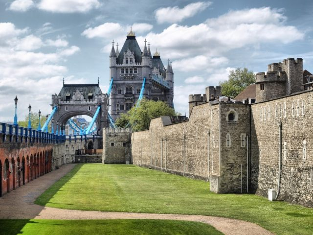 L2F Feb 18 pic UK England London Tower Bridge from tower shutterstock_58919374