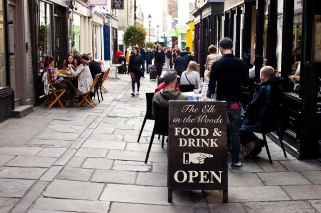 L2F Feb 18 pic UK England London dinig restaurant street scene shutterstock_156178814