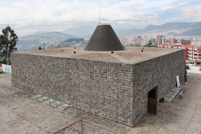 L2F Mar 18 pic Ecuador Quito Capilla del Hombre Bernard Gagnon Wikipedia