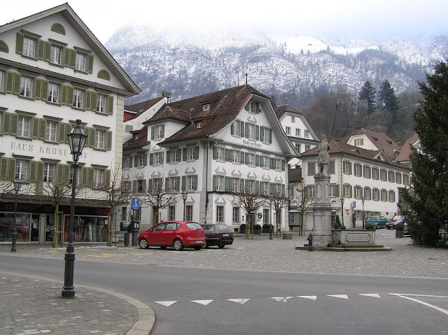 L2F Mar 18 pic Switzerland Stans town square
