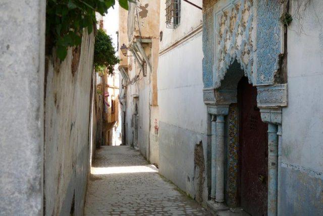 L2F Apr 18 pic Algeria Algiers casbha street Yves Jalabert Wikipedia