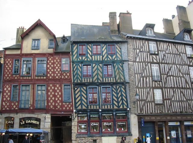 L2F Apr 18 pic France Rennes half timbered houses Wikipedia Man vyi