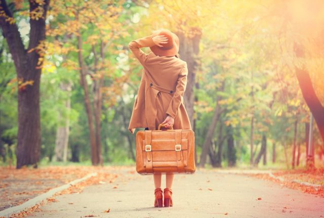 L2F Apr 18 pic women travelers lede girl with vintage suitcase shutterstock_214008958