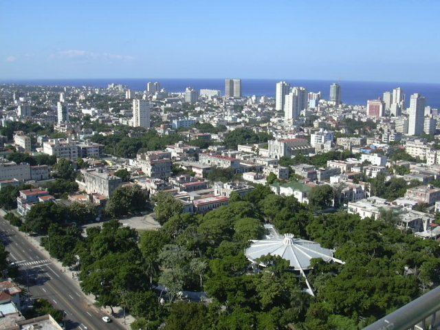 L2F May 18 pic Cuba Havana Vedado aerial view WIkipedia Ivan2010