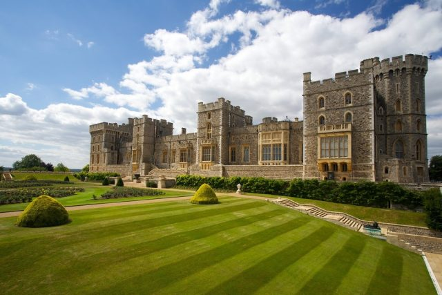 L2F May 18 pic UK WIndsor Castle front view shutterstock_164256905