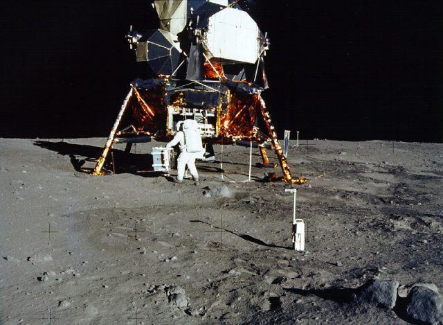 L2F Jun 18 pic Spain Madrid Frenesdillas de la Oliva Moon Museum Apollo 11 pic Wikipedia