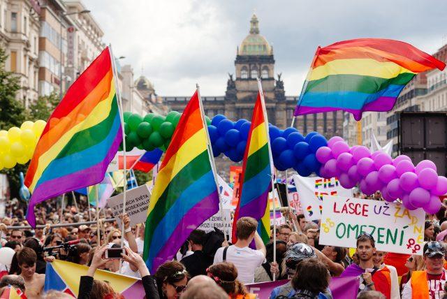 Prague_Pride_2014_Václavské_náměstí_(1)