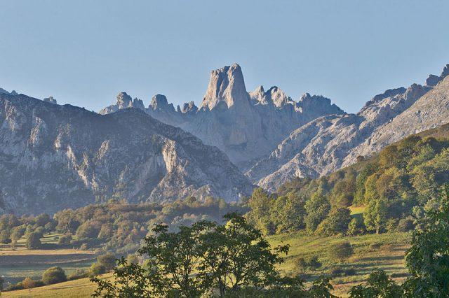 L2F Jul 18 pic Spain Asturias Bulnes Naranjo Picu Urriellu Wkipedia Juan Lacruz