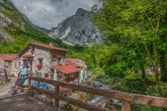 L2F Jul 18 pic Spain Asturias Bulnes bridge and creek