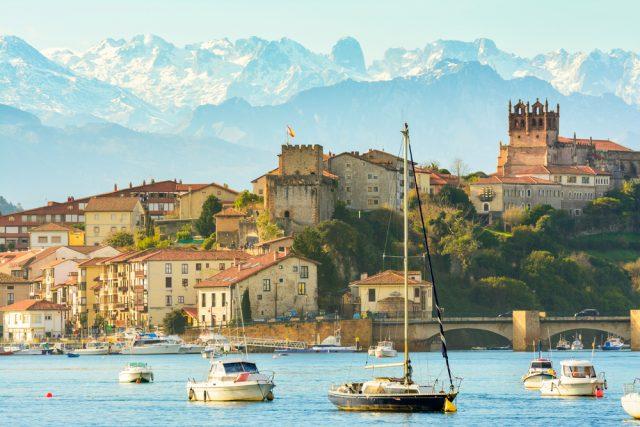 L2F Aug 18 pic Europe Lonely Planet Spain Cantabria San Vicente de la Barquera shutterstock_533886376