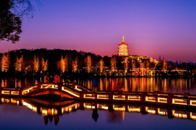 L2F Sep 18 pic China Hangzhou West Lake evening shutterstock_581425150
