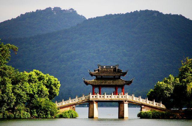 L2F Sep 18 pic China Hangzhou West Lake pagoda bridge shutterstock_128832574