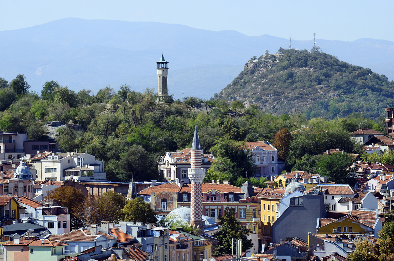 Bulgaria, Plovdiv, cityscape with different buildings and minaret of Dzhumahia mosque