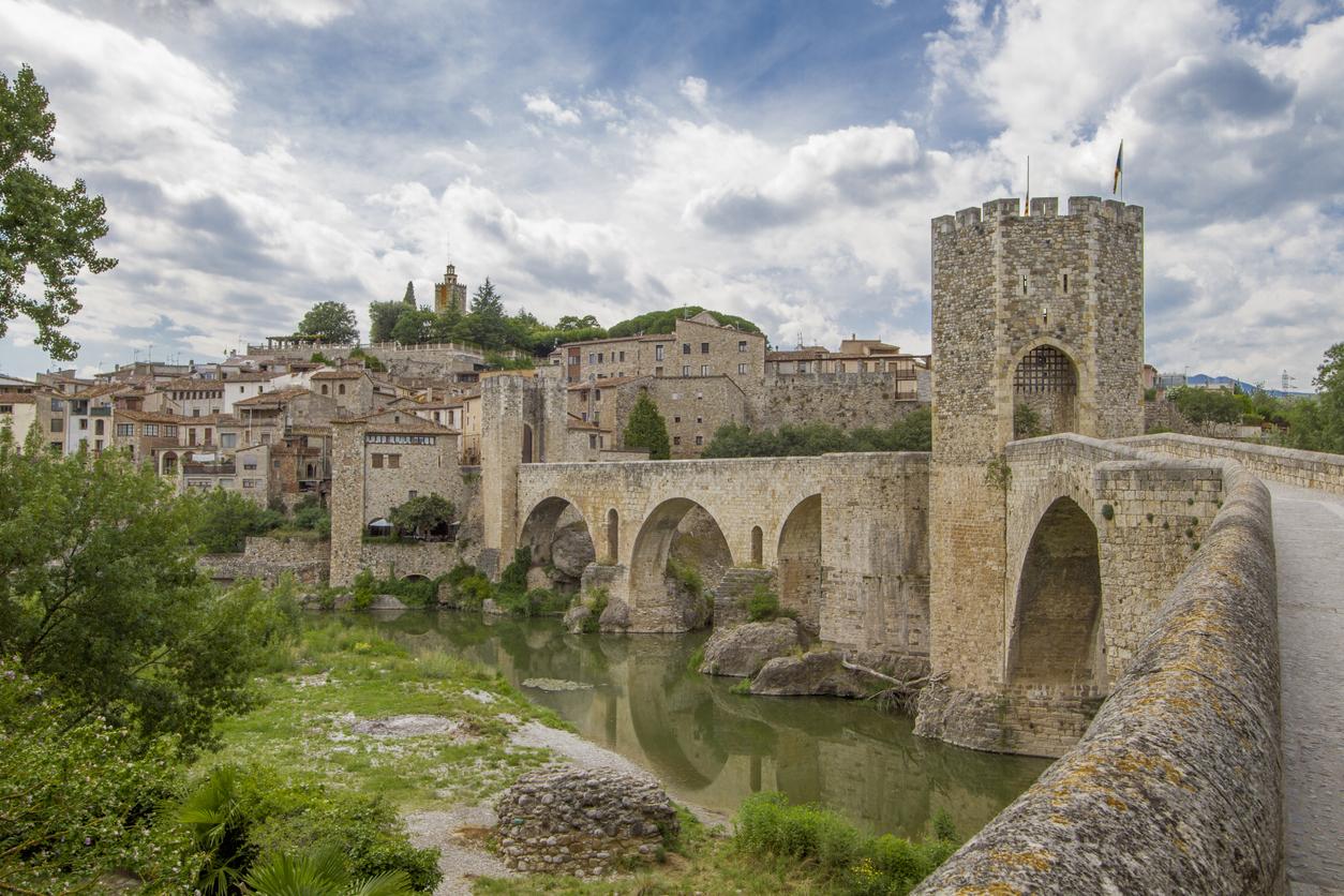Garrotte region, historic town Besalu