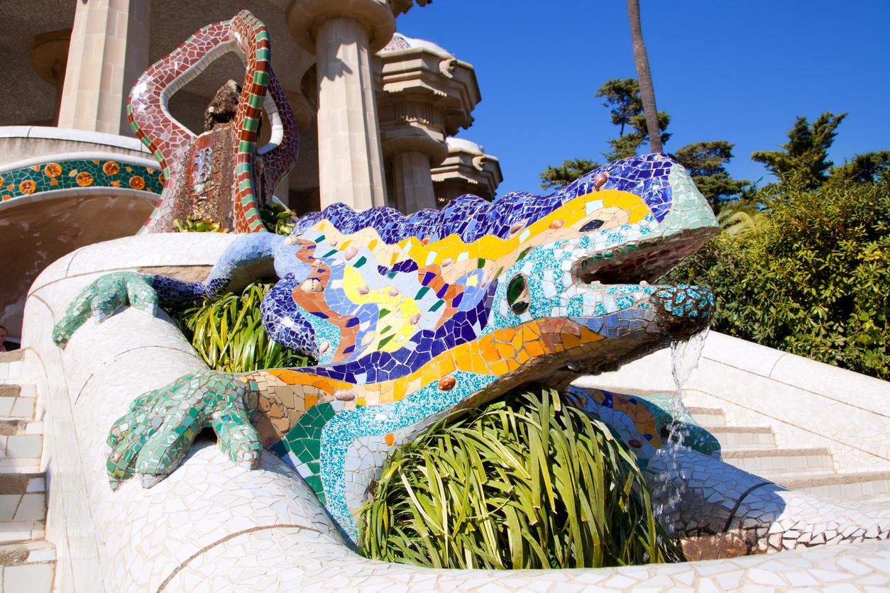 Dragon salamandra of gaudi mosaic in park guell of Barcelona