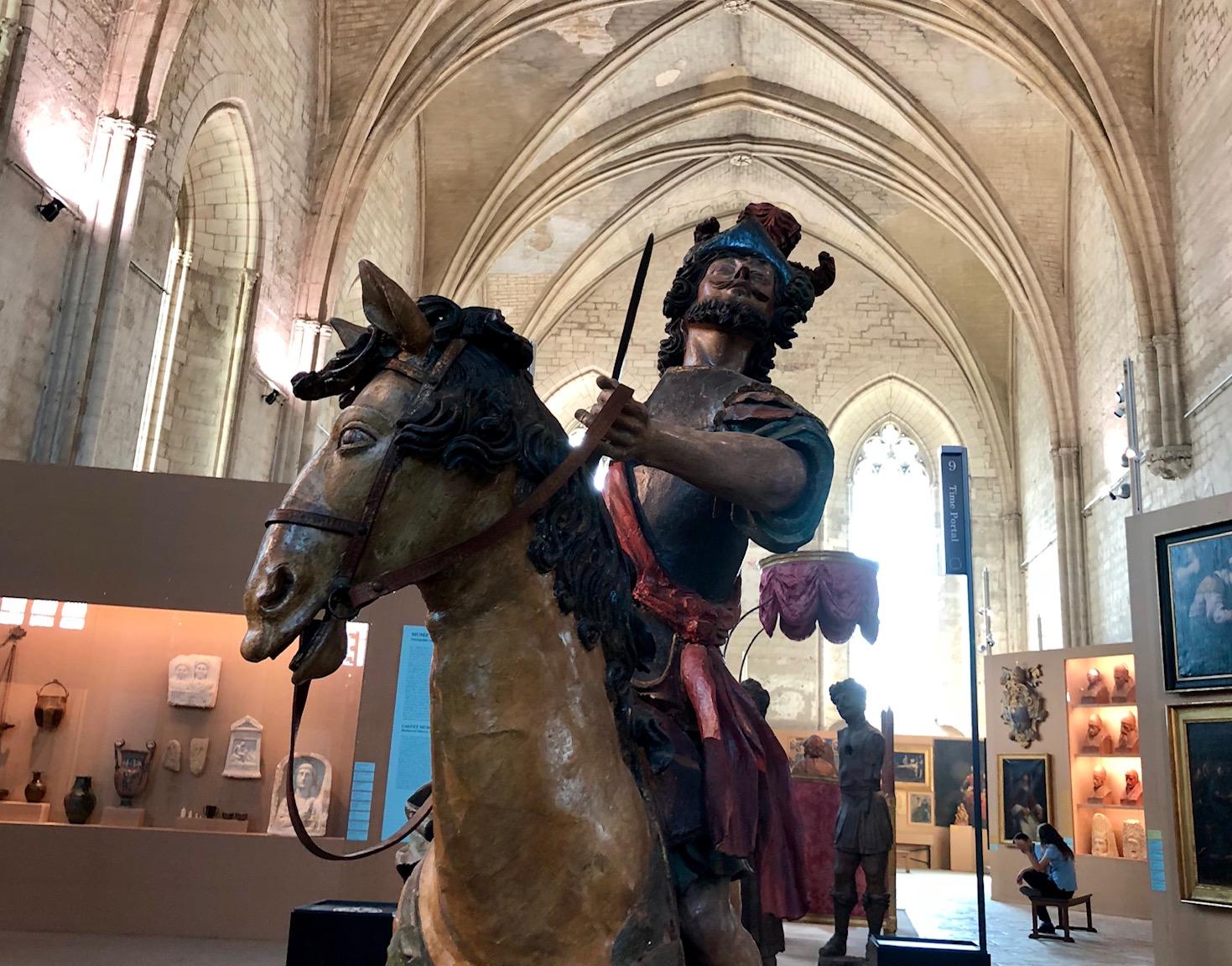 L2F Oct 19 pic France Avignon Palais des Papes interior