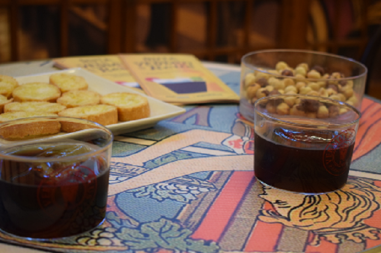 L2F Nov 19 pic Spain vermouth in glasses with nuts - Hirtes