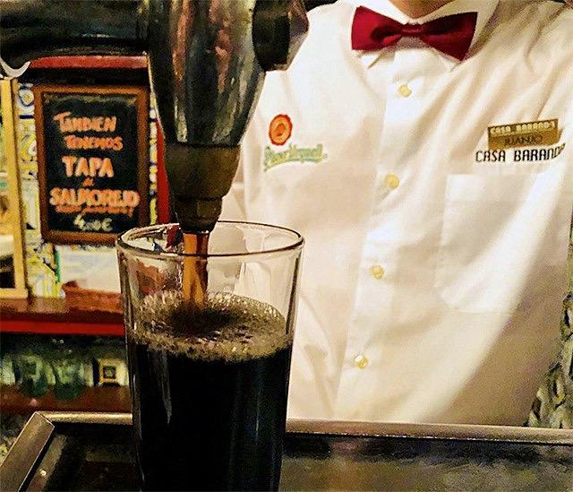 L2F Nov 19 pic Spain vermouth on tap Bodega de la Ardosa Aitor Kanur retouched