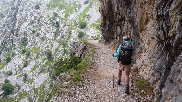L2F Jan 20 pic Spain Cares Route hiker on trail from behind