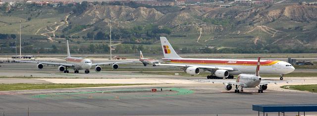 EC-LEV Iberia A340 por jmiguel.rodriguez