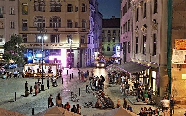 Brno-Republica-Checa-Jakubske-namesti-Wikipedia-Curtis987