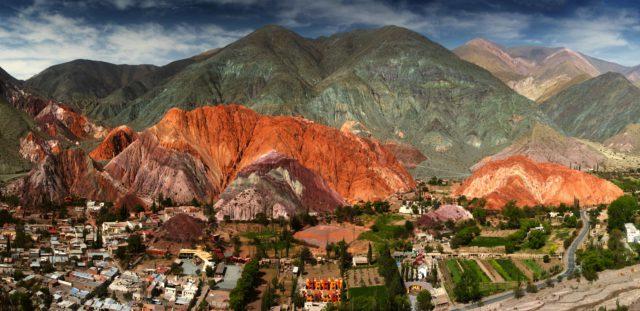 Cerro-Siete-Colores-Purmamarca-Argentina-NOA-D'July-Shutterstock