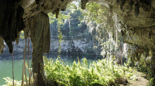 Cueva Republica Dominicana Lago subterraneo chriss73 Shutterstock