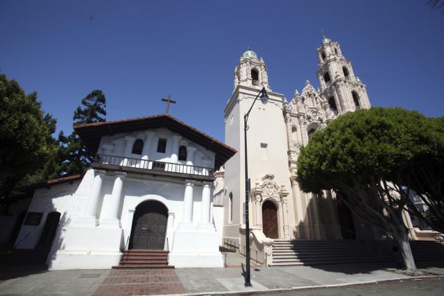 L2F Jan 16 pic USA California church Dan Schreiber shutterstock_124938785
