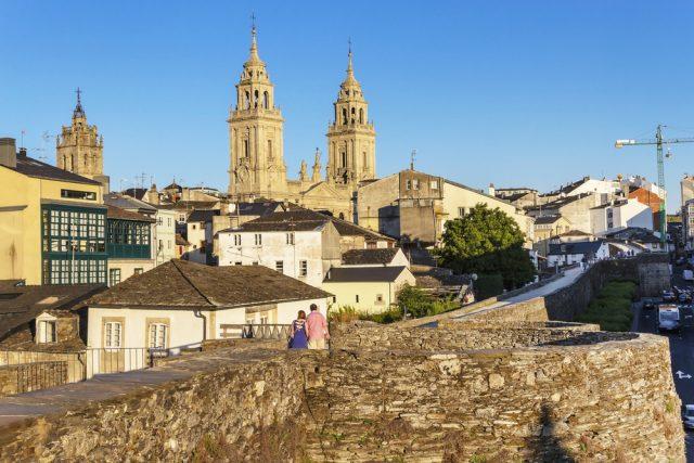 Lugo Muralla Romana Galicia Centro Historico arousa Shutterstock