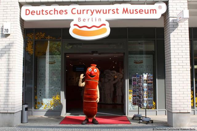 Museo_Currywurst_Salchicha_Berlin_Alemania_Mascota_Entrada