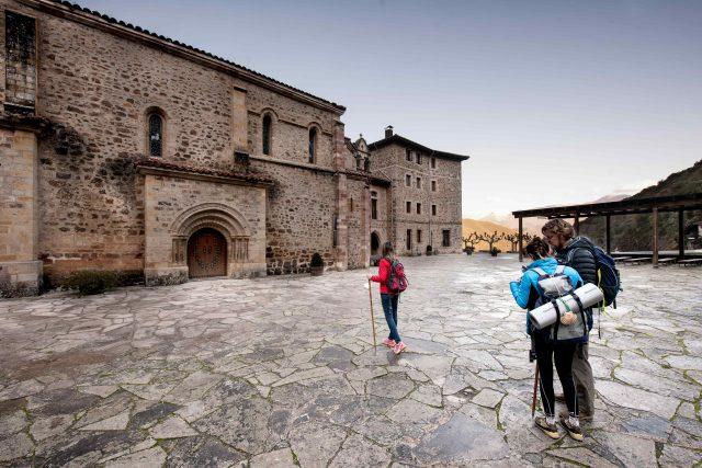 Peregrinos Camino Año Jubilar Lebaniego Santo Toribio Liébana Cantabria