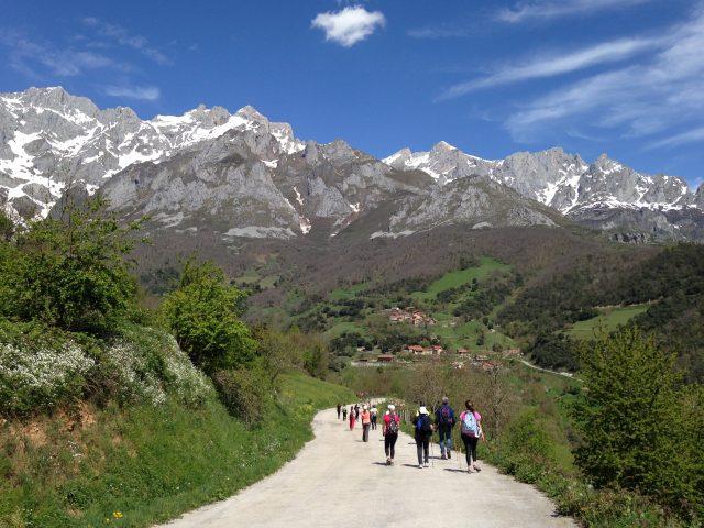 Picos Europa Cantabria Camino Lebaniego Peregrinos